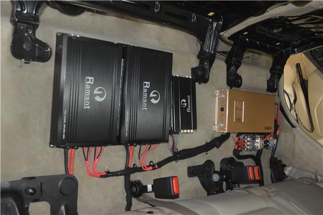 奔驰ml350音响改装 佛 德国禾弦喇叭,威玛仕功放超低音喇叭 尽显德国